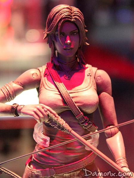 Figurine Play Arts Kai – Tomb Raider